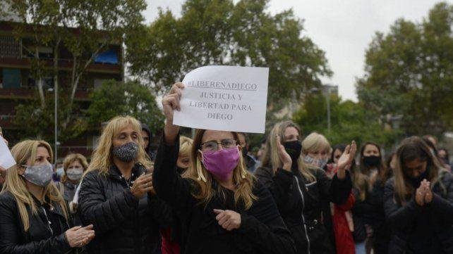 Los vecinos de Diego se manifestaron en las puertas del Centro de Justicia Penal.