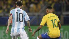 El duelo entre Messi y Neymar de Argentina Brasil deberá esperar.
