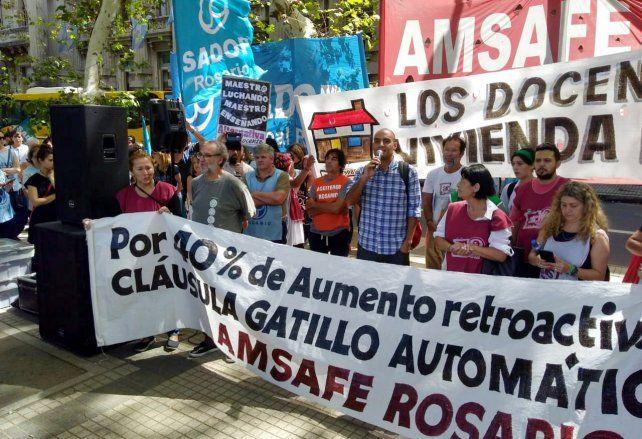 Amsafé Rosario, con los tapones de punta por el acuerdo entre estatales y Provincia