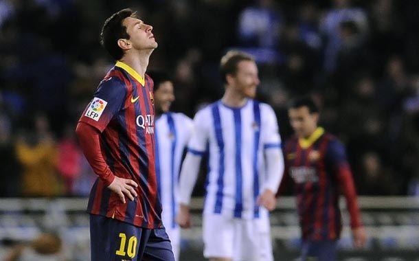 Messi metió un golazo pero Real Sociedad aprovechó los errores de Barcelona y le ganó.
