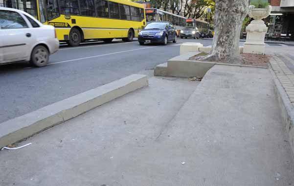 Uno de los mayores obstáculos para los discapacitados en espacios públicos es la falta de accesibilidad.