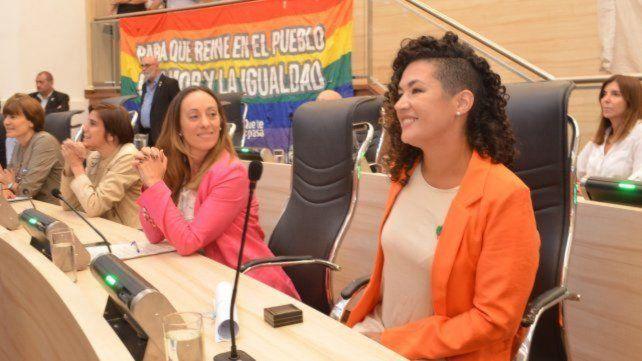 La concejala Gómez Sáenz (derecha) sufrió un asalto el pasado sábado 14 de agosto. (Foto de archivo)