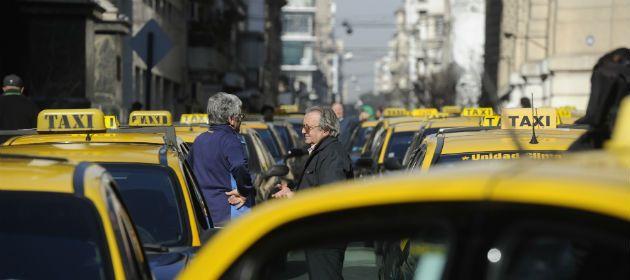 Asegurado le salió al cruce a los taxistas y dijo que estas medidas no aportan soluciones