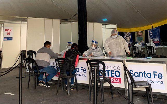 Por el mal tiempo, suspenden la atención en los centros de testeos de Rosario y Santa Fe
