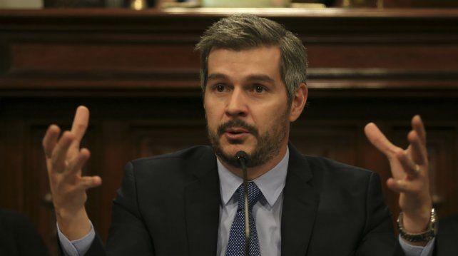 Marcos Peña asegura que Gils Carbó no da garantía para investigar los pagos de sobornos de la brasileña Odebrecht en el país.