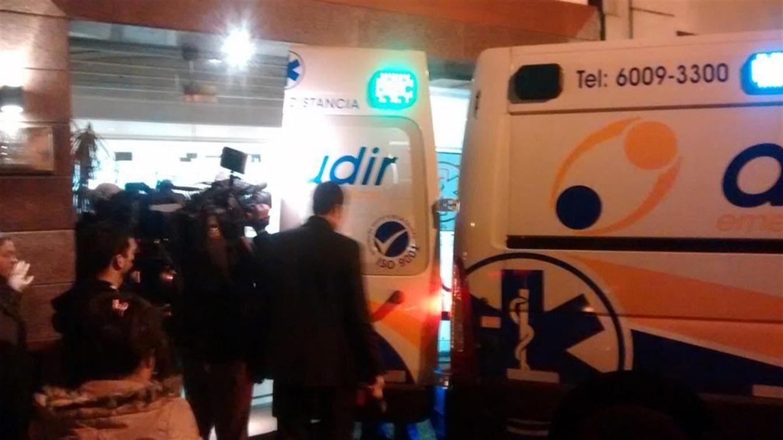 El traslado de Matías Alé al Otamendi sucedió esta madrugada (Foto: @javierfabracci)