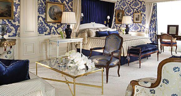 Cristina y su comitiva se alojan en Francia en uno de los hoteles más lujosos del mundo