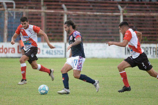 No pudo. El elenco de barrio Tablada sumó la primera derrota en el Clausura ante Luján. Otra vez falló en la definición.