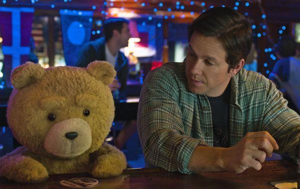 Ted y su dueño John Bennett compartieron toda su vida entre fiestas
