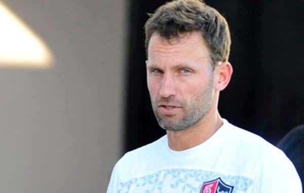 El referente del equipo rojinegro dijo que cree que es el momento para que Nacho Scocco tenga una chance en la selección.