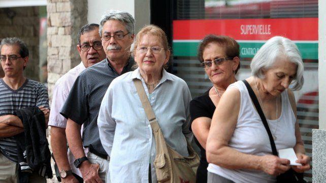 La Afip puso en marcha el mecanismo de devolución del 15% para las compras con débito
