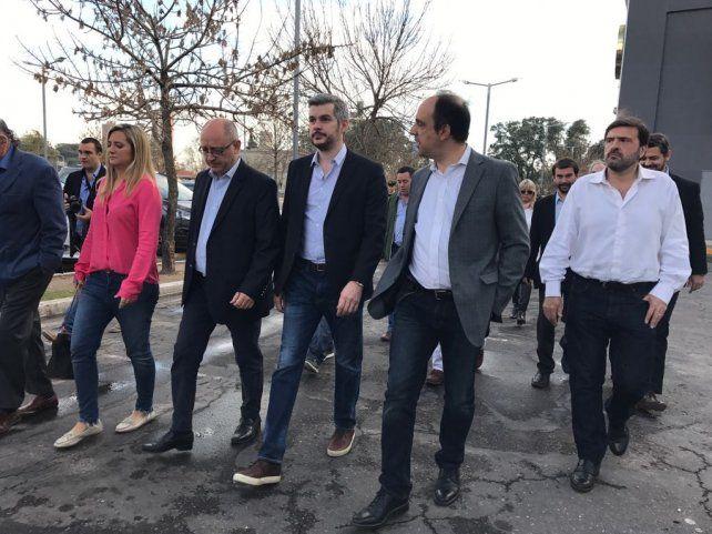 Marcos Peña con los candidatos de Cambiemos en Santa Fe.