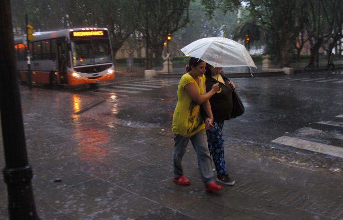 Las condiciones se mantendrían hasta la mañana del lunes. (foto archivo: Alfredo Celoria)