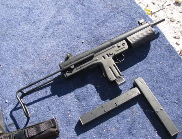 La pistola ametralladora estaba arriba de un ropero en una casa de Nuevo Alberdi. (Foto de archivo)