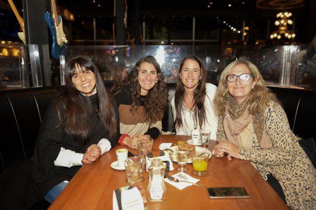 Maria Victoria Giannaccaro, Melina Eujanián, Francisca Schuman y Judith Martinez.