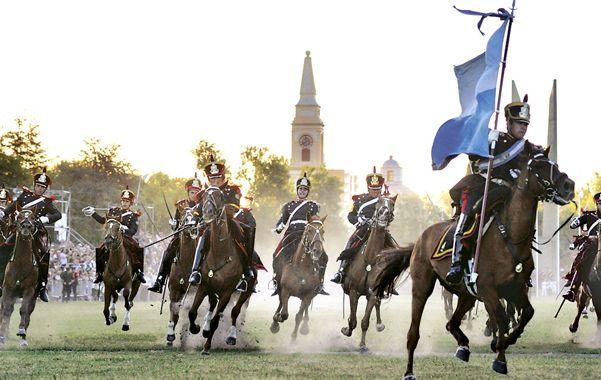 A la carga. Granaderos a caballo representaron  la batalla.