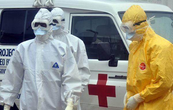 La epidemia de ébola ya ha dejado más de 4.000 muertos en África y una gran psicosis en Estados Unidos