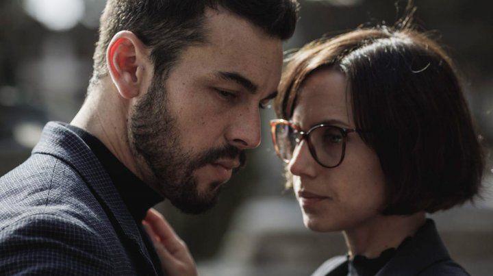 Mario Casas y Aura Garrido, los protagonistas de la serie.