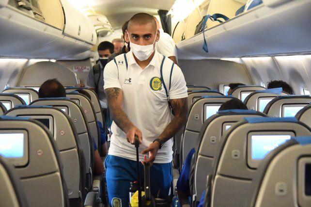 Diego Zabala, quien será titular ante 12 de Octubre, llevó la valija cargada de esperanza a Paraguay.