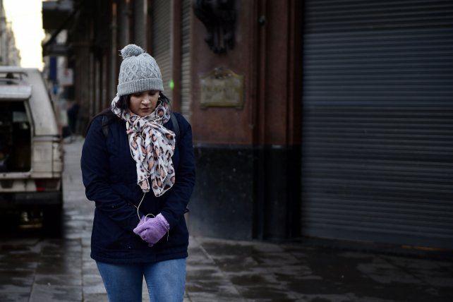 Fría mañana en Rosario. La temperatura mínima se estima en 15 grados