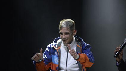 Gira por Rosario. El cantante de cumbia 420, L-Gante se presentó el domingo pasado en el estadio cubierto de Newell s Old Boys