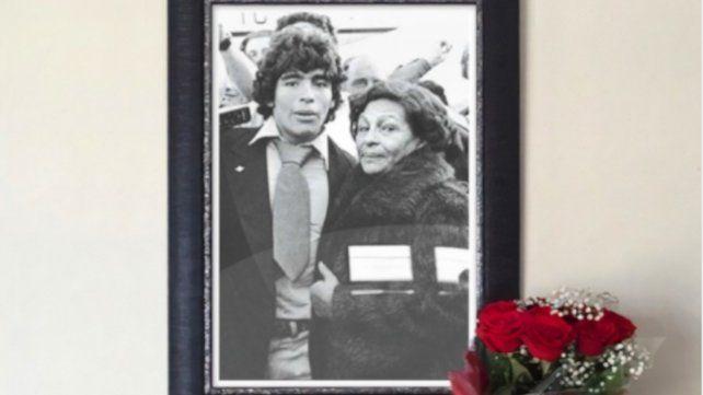 Diego junto a Doña Tota en un mensaje emotivo en las redes sociales alusivo al Día de la Madre.