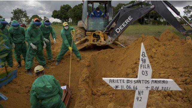 Manaos sufre una nueva ola de muertes por Covid-19 porque se acabaron los tubos de oxígeno