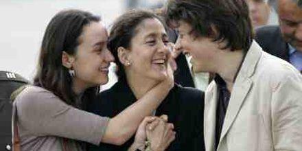 Emotivo reencuentro de Ingrid Betancourt con sus hijos luego de 7 años