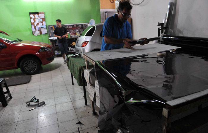 Los autos particulares y vehículos del servicio público podrán oscurecer sus cristales en un 30 por ciento.