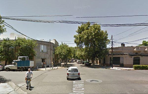 La esquina de Brown y Puyerredón donde sucedió el primer asalto. (Foto: captura de Google Maps)