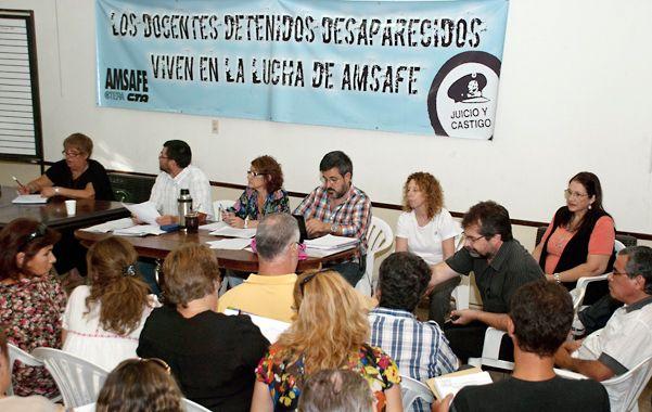 Asamblea de definición. Votaron 30.392 docentes y la mayoría decidió las medidas de fuerza. (foto: Enzo Rodríguez Suárez)
