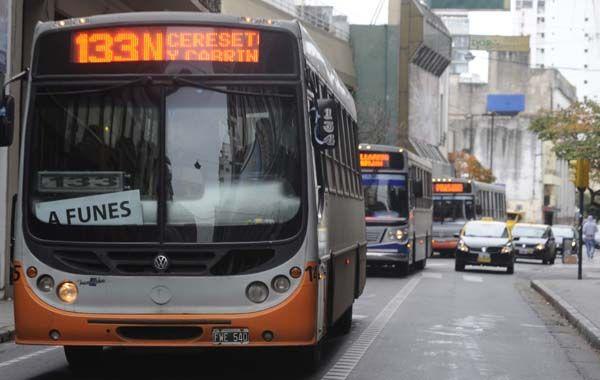 Los comerciantes de la calle Córdoba se manifestaron en contra de la extensión de las vias rápidas.