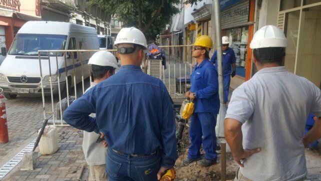 Controlaron la fuga de gas que motivó las evacuaciones en Sarmiento al 700