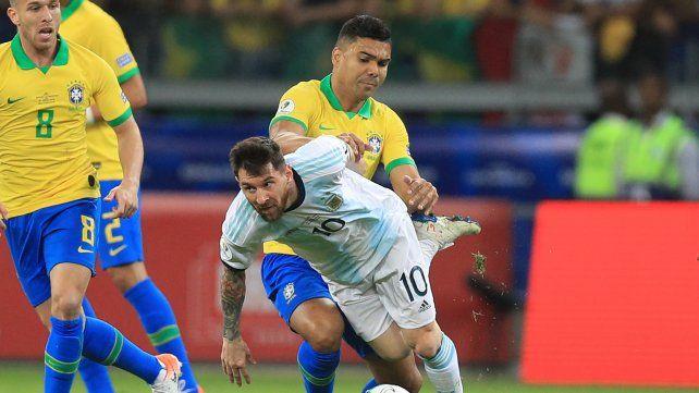 Lionel Messi jugó todos los partidos de esta Copa América y ha recibido muchas infracciones.