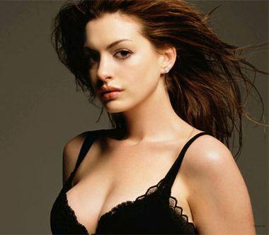 Fans adquieren una noche con Anne Hathaway por 12.000 dólares