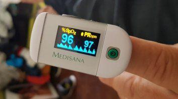 Los médicos subrayan que no es necesario tener este aparato en la casa, pero remarcan que si se lo tiene, el resultado de las mediciones debe ser comunicado a un profesional para su evaluación.