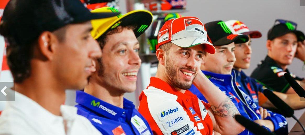 Pura sonrisas. Con Valentino Rossi
