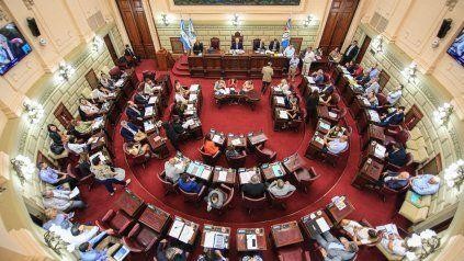 Diputados amarillos y celestes coordinan acciones en la Cámara baja provincial.
