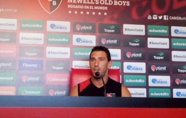 Maxi Rodríguez aseguró que entre los jugadores y el DT de Newells está todo bien