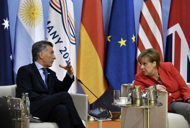 El presidente Mauricio Macri y la mandataria alemana Angela Merkel.