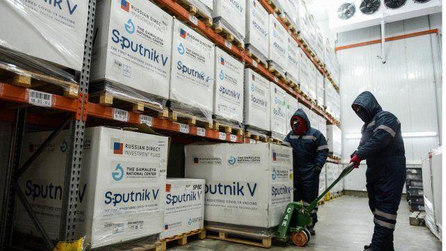 Las 717 mil dosis de la vacuna rusa Sputnik V llegaron este martes y ya están siendo distribuidas.