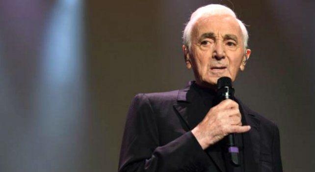 A los 94 años, murió el cantante francés Charles Aznavour