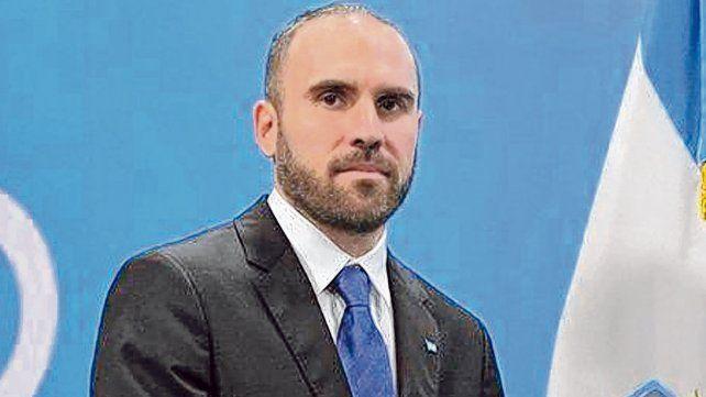 reparación. El ministro Guzmán destacó la reconstrucción de la curva de deuda en pesos.
