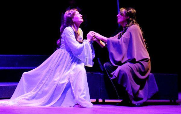 Clásico verdiano. Esta obra es una de las más populares de Giuseppe Verdi de 1853 en la que dos hermanos se disputan el amor de una mujer.