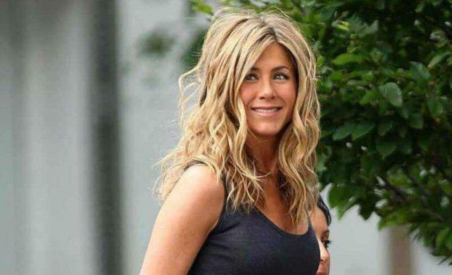 Jennifer Aniston dijo que el ciento por ciento de lo recaudado será para ayudar a luchar contra la pandemia.