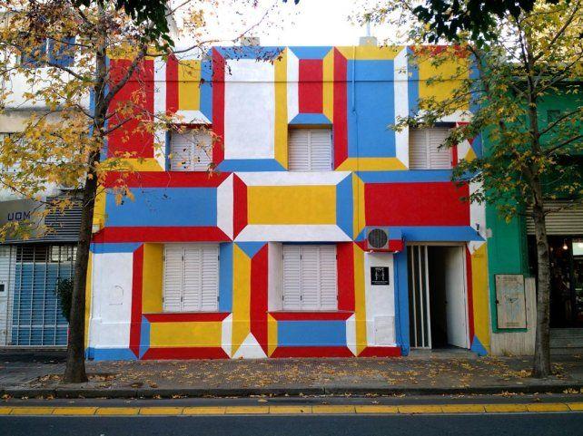 La casa de colores  de Buenos Aires al 1600 ofrece distintos talleres.