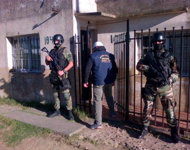 Operativo. Efectivos policiales en Artilleros al 100