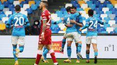 Napoli le dio una paliza a la Fiorentina de los argentinos