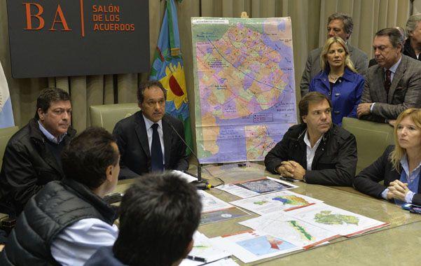 Plan de lluvia. Scioli reunió al gabinete y dispuso la emergencia hídrica luego de su regreso al país.