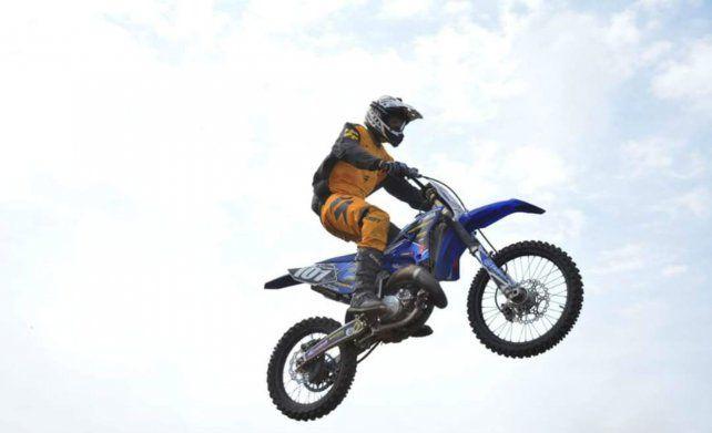 Un rosarino que vuela alto en el motocross y va por más